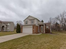 377 quail ridge ct waterford mi 48327 zillow