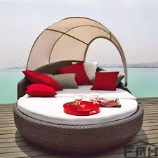Circle Patio Furniture by Outdoor Wicker Canopy Bed Cherry Circle Outdoor Wicker Garden