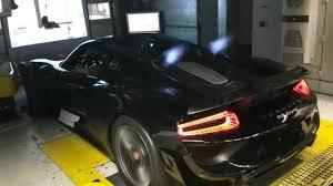 Porsche 918 Back - porsche 918 spyder spitting insane flames youtube