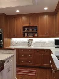 kitchen backsplash cherry cabinets best 25 cherry cabinets ideas on cherry kitchen