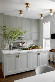 white shaker kitchen cabinets with white subway tile backsplash 33 subway tile backsplashes stylish subway tile ideas for