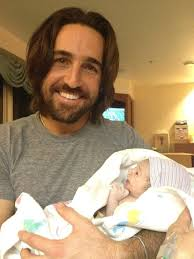 jake owen welcomes baby on thanksgiving debuts on