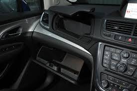 opel mokka interior vauxhall mokka pictures vauxhall mokka front cornering auto
