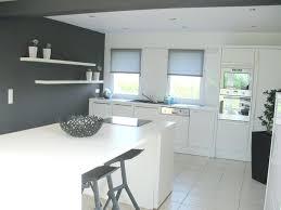 idee cuisine en l deco cuisine blanche et bois cuisine chic et classique en noir et