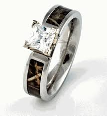 his and camo wedding rings best 25 camo rings ideas on camo wedding rings mens