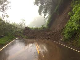 Hawaii How Fast Does Lightning Travel images Reports lane batters hawaii with life threatening flooding jpg