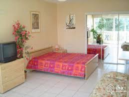 chambre a louer annecy location condo dans un bloc appartement à annecy iha 1500