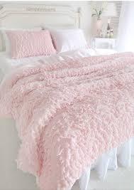 llena tu habitación de rosas con estos tips de decoración