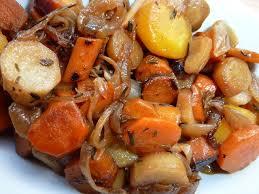 cuisiner panais recette crumble de carottes panaïs et compotée de tomates l atelier de boljo
