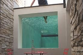 piscine en verre 10 belles piscines à parois de verre sur un ou plusieurs côtés
