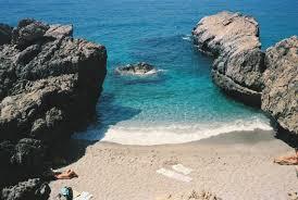 close to amoudiaki micro amoudi beach photo from amoudi in
