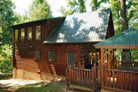 2 bedroom log cabin sevierville cabin rental falcon crest 2911 2 bedroom