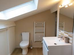 salle de bain dans chambre sous comble rénovation d une mini salle de bain sous combles home et vous