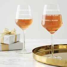 wine glass with initials personalised glasses notonthehighstreet