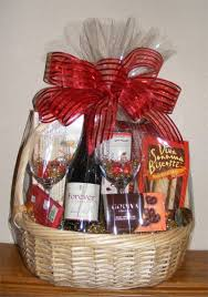 valentine gift baskets ideas inspirationseek com