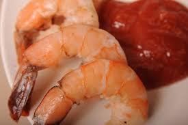 comment cuisiner les crevettes congel馥s comment faire cuire des crevettes congelées avec la coquille sur le