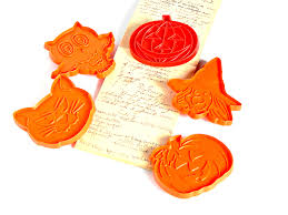 halloween cookie cutters 1970s vintage hallmark and tupperware