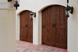Garage Door Curb Appeal - keeping current why the right garage door is a key to enhancing
