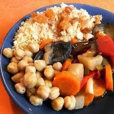 legumes cuisines couscous de légumes ou végétarien carotte navet poivron tomate