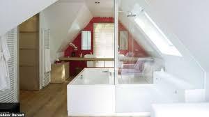 salle de bain dans chambre sous comble chambre sous comble chambre adulte sous pente u chaios