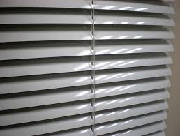 quality aluminium venetian blinds add modern look to any windows