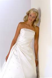 clean wedding dress polyester wedding dress cleaning synthetic gown cleaning