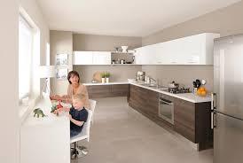 cuisine blanc et noyer cuisinella et ses cuisines aux coloris tendances inspiration cuisine