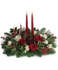 Christmas Berry Table Decoration by 61 Best Fresh Christmas Wreaths Greenery And Table Centerpieces