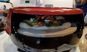 pizzacraft stovetop pizza oven le pizzeria pronto stovetop est un mini four à pizza à gaz d intérieur