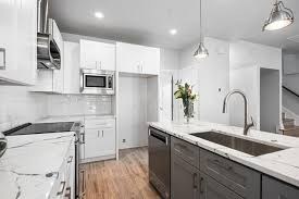 kitchen cabinets with white quartz countertops white shaker semi custom kitchen cabinets with milford