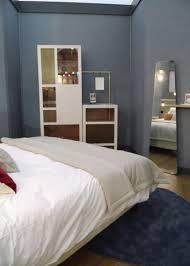 mobilier chambre hotel meuble minibar chambre d hôtel mobilier les pieds sur la table