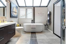 chambre de bain d oration salle de bain rénovée fenêtre rehausséemartine bourdon