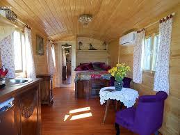chambres d hotes cote d azur chambre d hôtes et roulotte chambre noves provence alpes côte