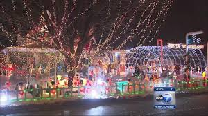 when does the great christmas light fight start tinley park man dominic kowalcyzk appears on abc 39 s 39 great