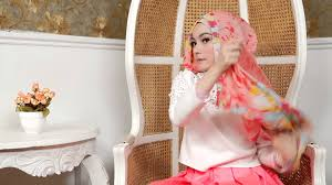 tutorial hijab noura hijab tutorial side cross hijab by laili noura youtube