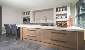 houten keuken kopen van long island kitchens keukens beach look