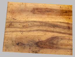 dessus de bureau joli petit bureau en noyer meuble ancien en bois clair