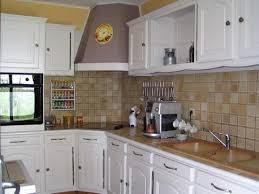 comment repeindre une cuisine en bois repeindre cuisine bois amazing meuble a renover charmant faire un
