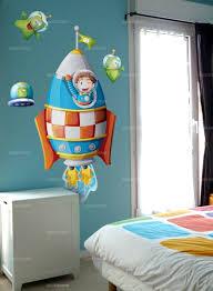 chambre enfant espace sticker fusée et pilote