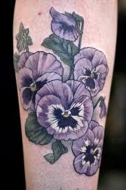 mer enn 25 flotte ideer om pansy tattoo på pinterest