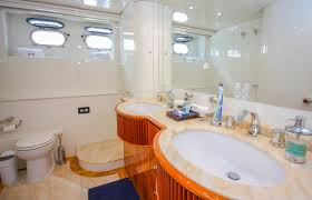 luxury boat rentals miami beach fl azimut convertible 5426