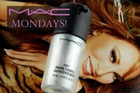 mac cosmetics fix makeup setting spray review