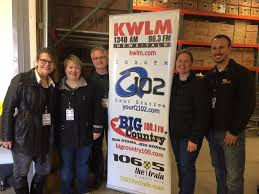Q102 Willmar Operation Snow Desk Radio For Relief 2017 Was A Huge Success For The Willmar Area Food