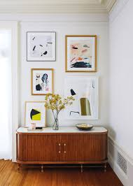 how it u0027s done curate a gallery wall anthropologie blog