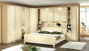 placard chambre à coucher les placards de chambre a coucher simple de placard pliante avec