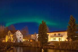 iceland best time to see northern lights the best time to see the northern lights in iceland the complete guide