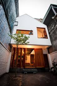 urban niche townhouse u0026 courtyard fill thin lot in hanoi urbanist