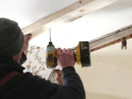 Remove Mirror Glued To Wall Safely Removing A Wall Mirror Video Diy