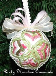 183 best no sew quilted ornaments images on pinterest folded
