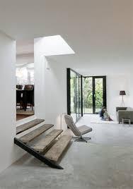 escalier entre cuisine et salon dénivelé entre cuisine et salon en aubrac idée de marches vieilles